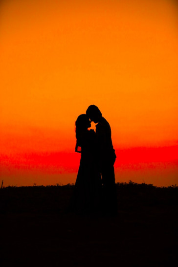 Love  Beautiful  Couple  Sunset Status Picture